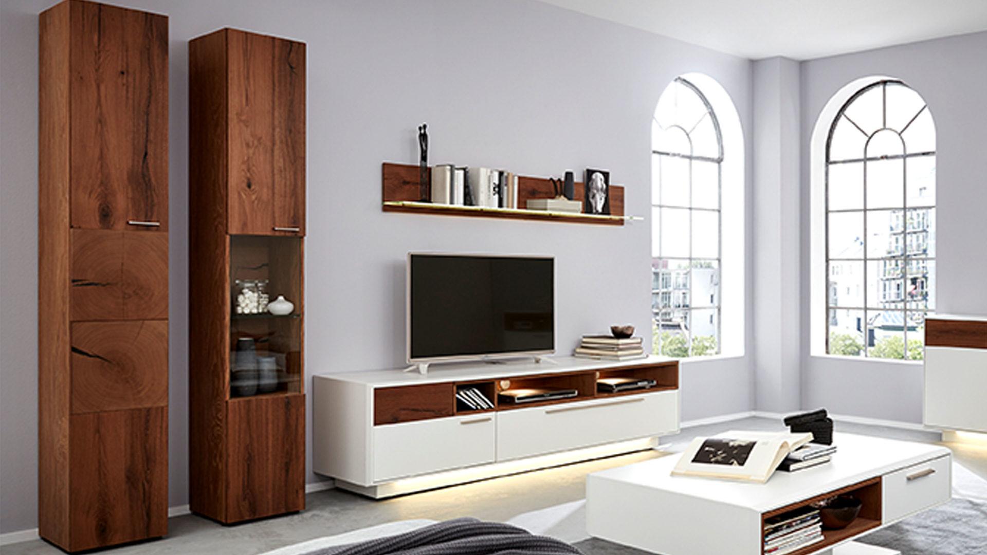 vitrine die hausmarke il aus holz in holzfarben interliving wohnzimmer serie 2102 vitrinenschrank dunkles