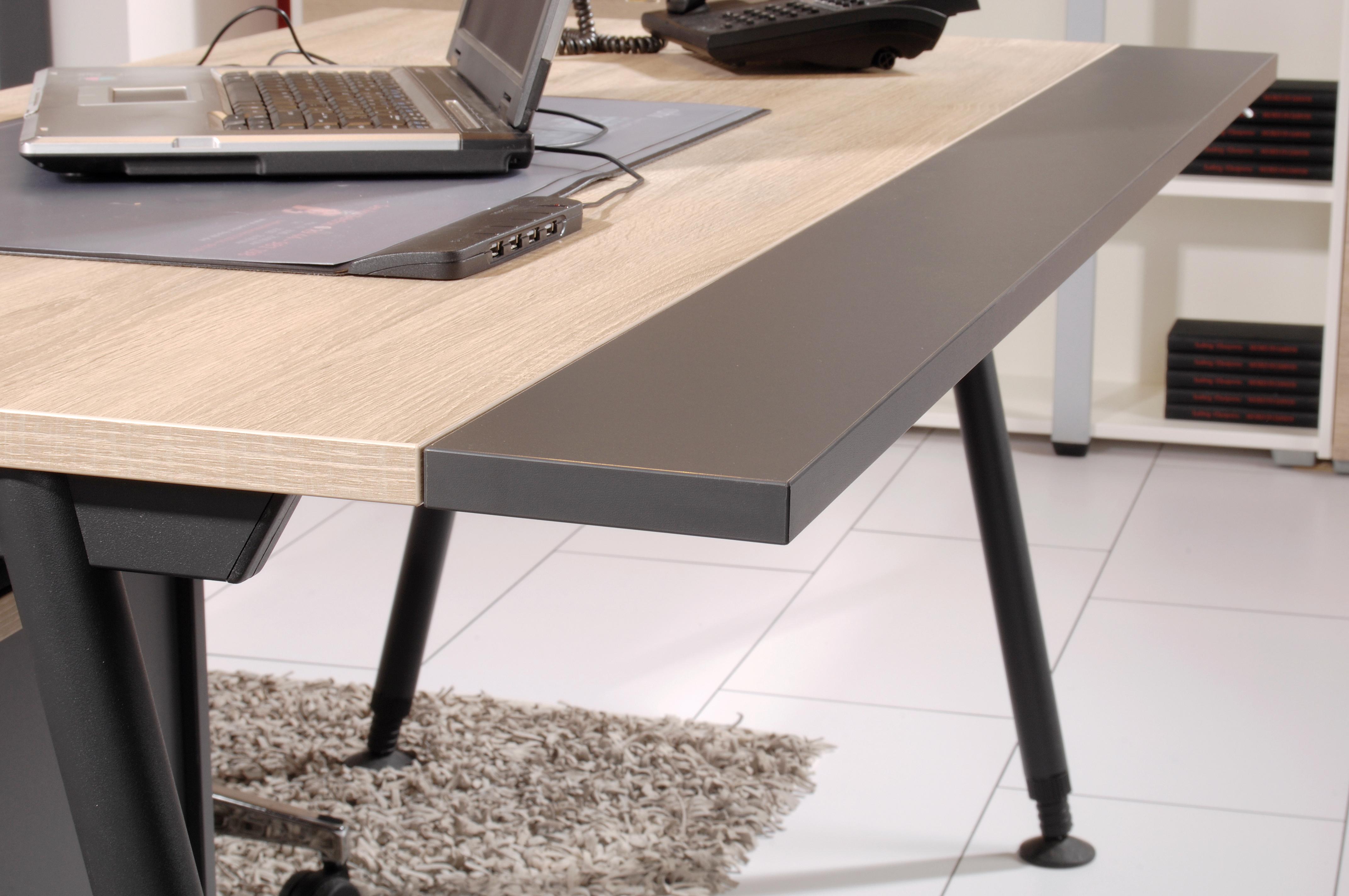 Plattenvertiefung für Schreibtisch